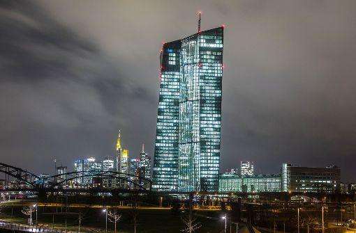 EZB lässt Leitzins auf Rekordtief von null Prozent