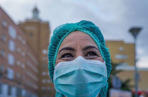 Wenn Helfern in Stuttgart während der Corona-Krise geholfen wird