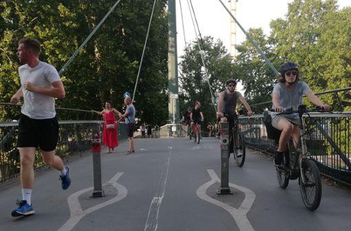 Stadt soll  Poller auf Ferdinand-Leitner-Steg entfernen