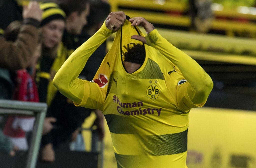Unsichtbar: Dortmunds Stürmerstar Pierre-Emerick Aubameyang wird in Stuttgart nicht auftauchen – der BVB hat ihn aus disziplinarischen Gründen zu Hause gelassen. Foto: dpa