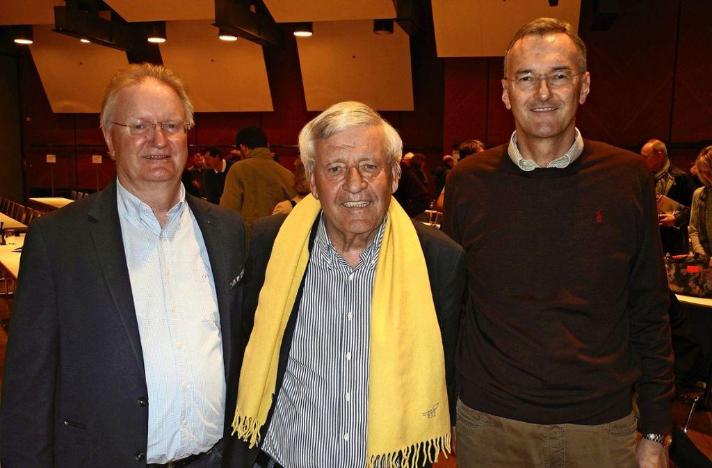 Gastgeber Manfred Kiefer,  WTB-Präsident Ulrich Lange  und sein designierter Nachfolger  Uwe Gärtner (von links). Foto: Thomas Volkmann