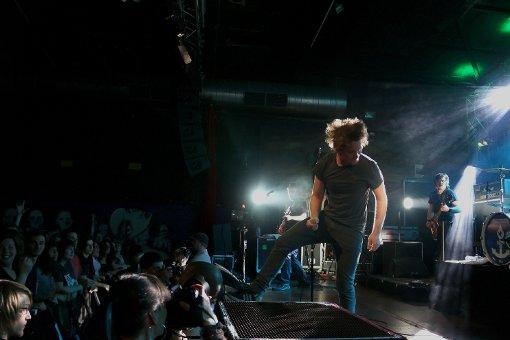 Ein Garant für gute Laune: Sänger Sebastian Madsen. Foto: L. R. Fotografie