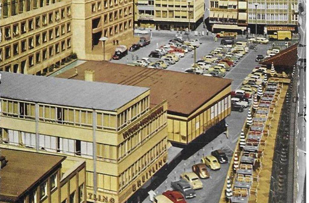 Einst war Breitling gar nicht in der Pole Position auf dem Marktplatz, davor befand sich das Damenmodegeschäft Spiecker. Foto: Sammlung WIbke Wieczorek