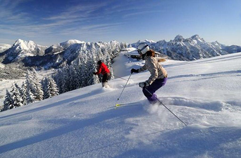 Das schneesichere Hochtal bietet Pistenvergnügen für jeden Geschmack. Foto: TVB Tannheimer Tal/Wolfgang Ehn