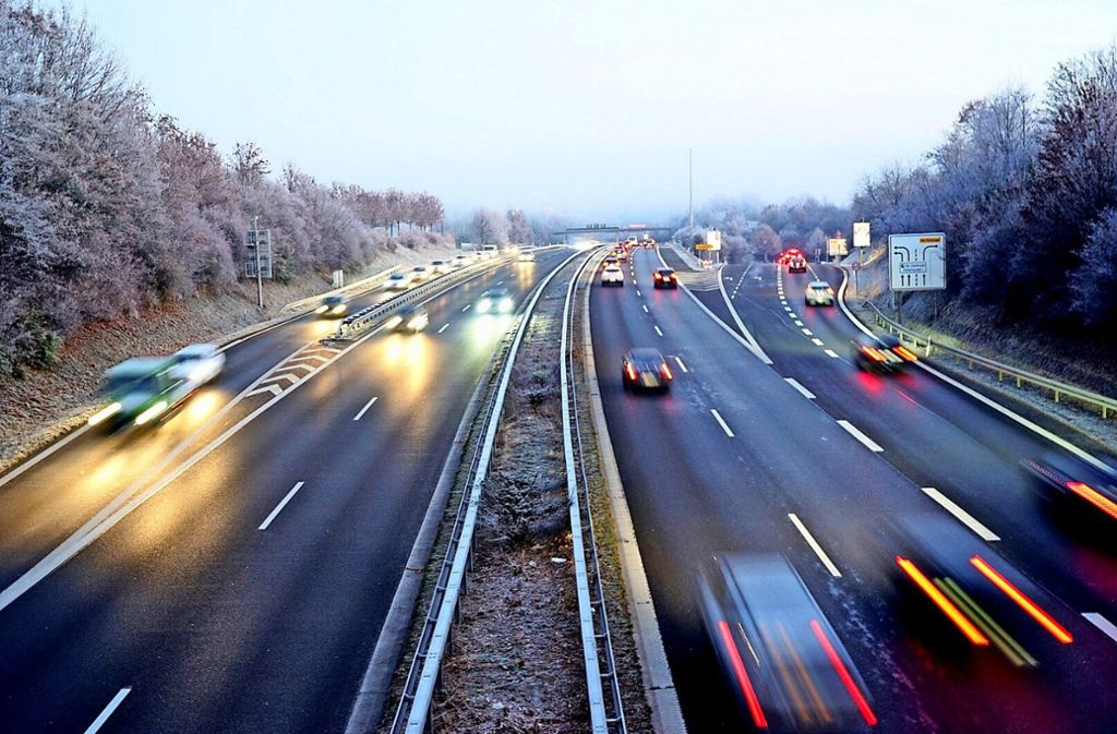 Autofahrer müssen auf der B27 vom Gas gehen: Zwischen Echterdinger Ei und Degerloch gilt jetzt Tempo 80. Foto: 7aktuell.de/Rafal Niewienda