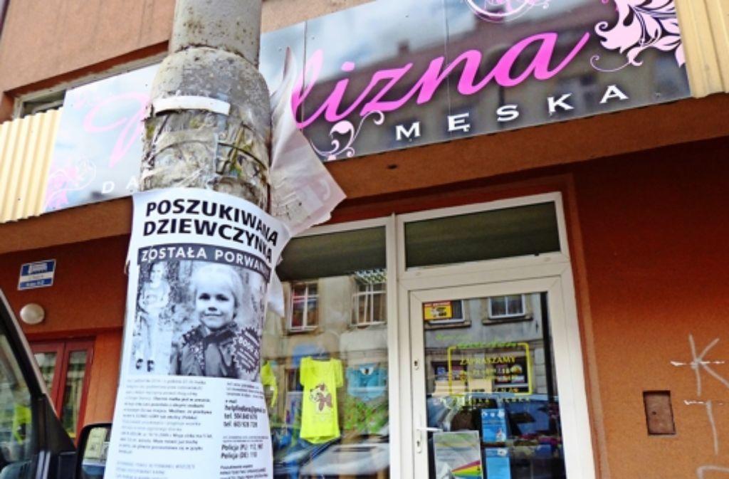 Thomas K. sucht in Polen mit allen Mitteln nach seiner Tochter – auch mit Flugblättern, die er überall verteilt und aufhängt. Foto: privat