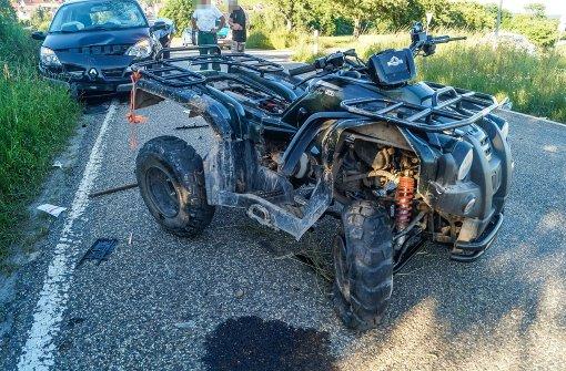 Quad kollidiert mit Auto