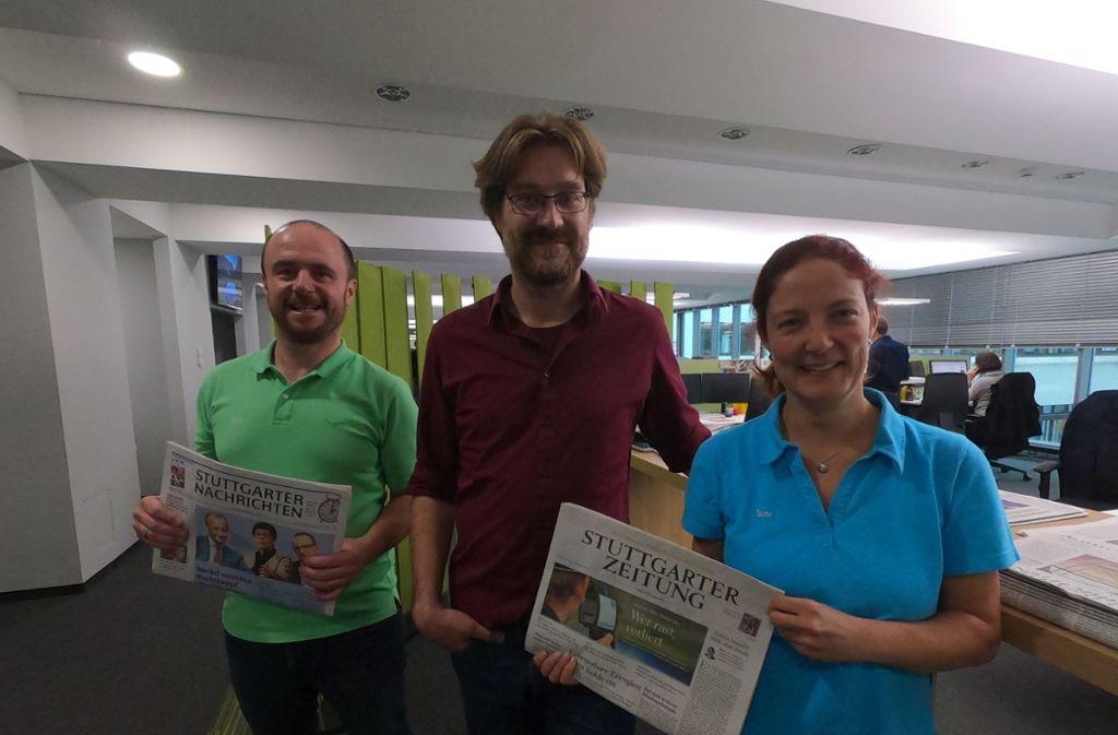Frank und Susi Reiser werden von dem Redakteur Rüdiger Ott (Mitte) durch die Redaktion geführt. Foto: privat