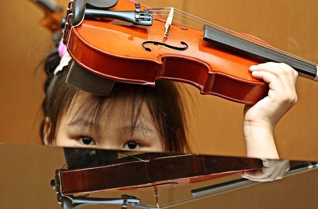 Trotz der Mehreinnahmen     hängt in der Musikschule der Himmel nicht voller Geigen. Foto: dpa