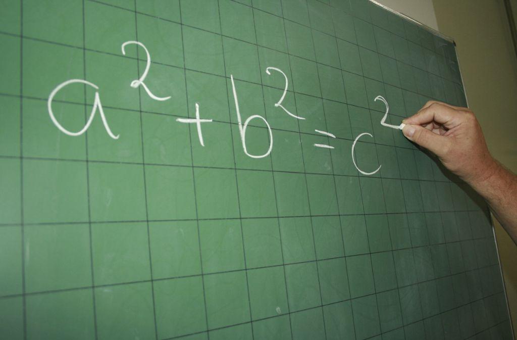 Nicht jeder Schüler ist den Anforderungen am Gymnasium gewachsen. Foto: dpa
