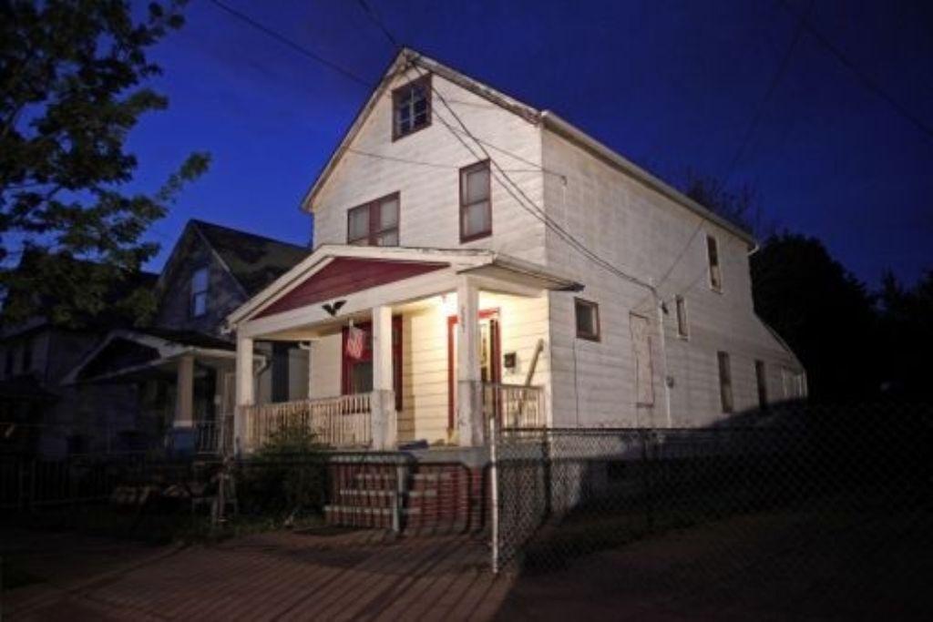 Zuletzt war Ohio international in den Nachrichten, als Ariel Castro verhaftet wurde, der jahrelang   drei entführte Mädchen in diesem Haus gefangen gehalten haben soll. Donald Ray Pollock entwirft ein provinzielleres Ohio,  eines, in dem das Gesetz wohl nie an diese Haustür geklopft hätte. Foto: afp