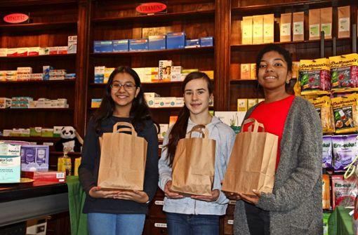 Schülerinnen spenden  ihren Lohn  für soziale Projekte