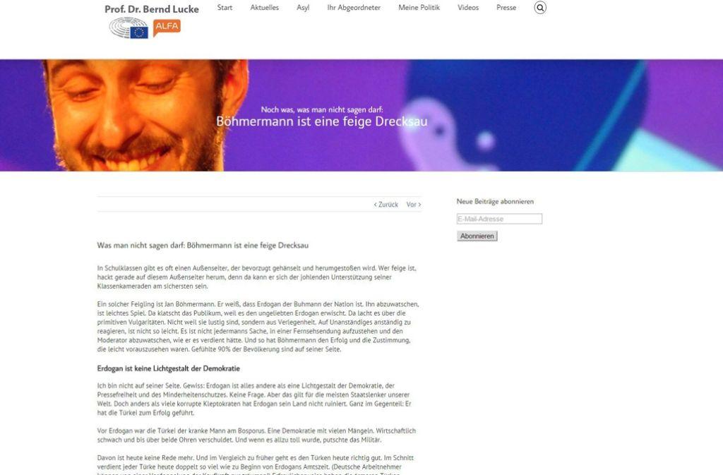 Alfa-Chef Bernd Lucke hat Jan Böhmermann auf seiner Homepage beleidigt. Das Netz reagiert empört darauf. Foto: Screenshot