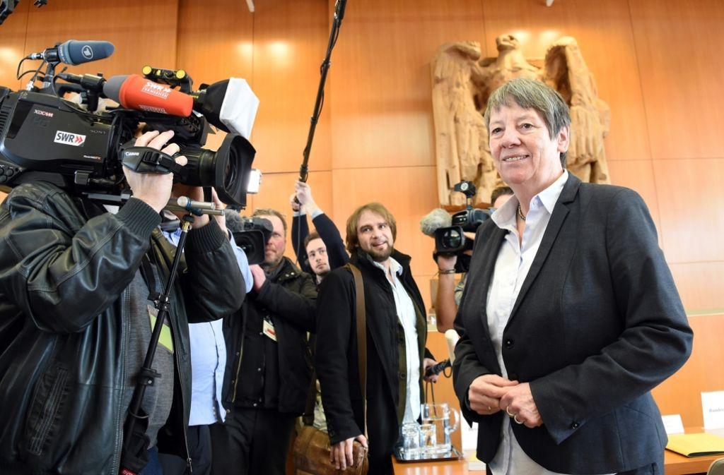 Ministerin Barbara Hendricks bei der mündlichen Verhandlung des Bundesverfassungsgerichts Foto: dpa