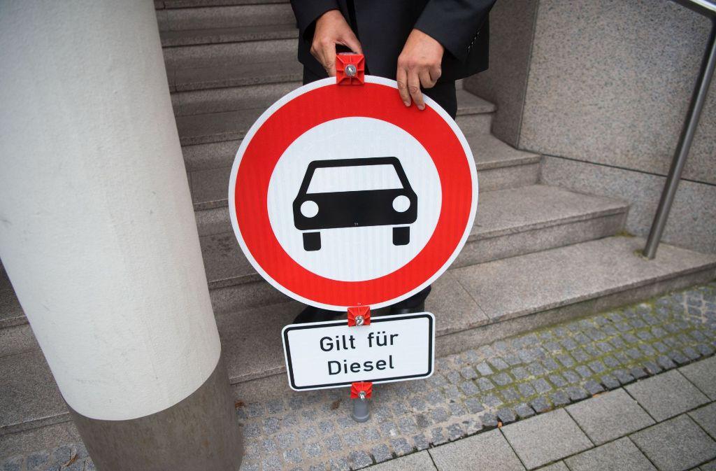 Das Stuttgarter Verwaltungsgericht hat im Juli Fahrverbote für Dieselfahrzeuge ab 2018 verhängt. Foto: dpa