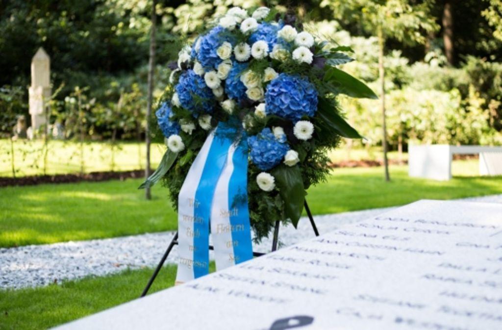 In Haltern am See wurde die Gedenkstätte für die Absturzopfer des Germanwings-Fluges 4U9525 eingeweiht. Foto: dpa