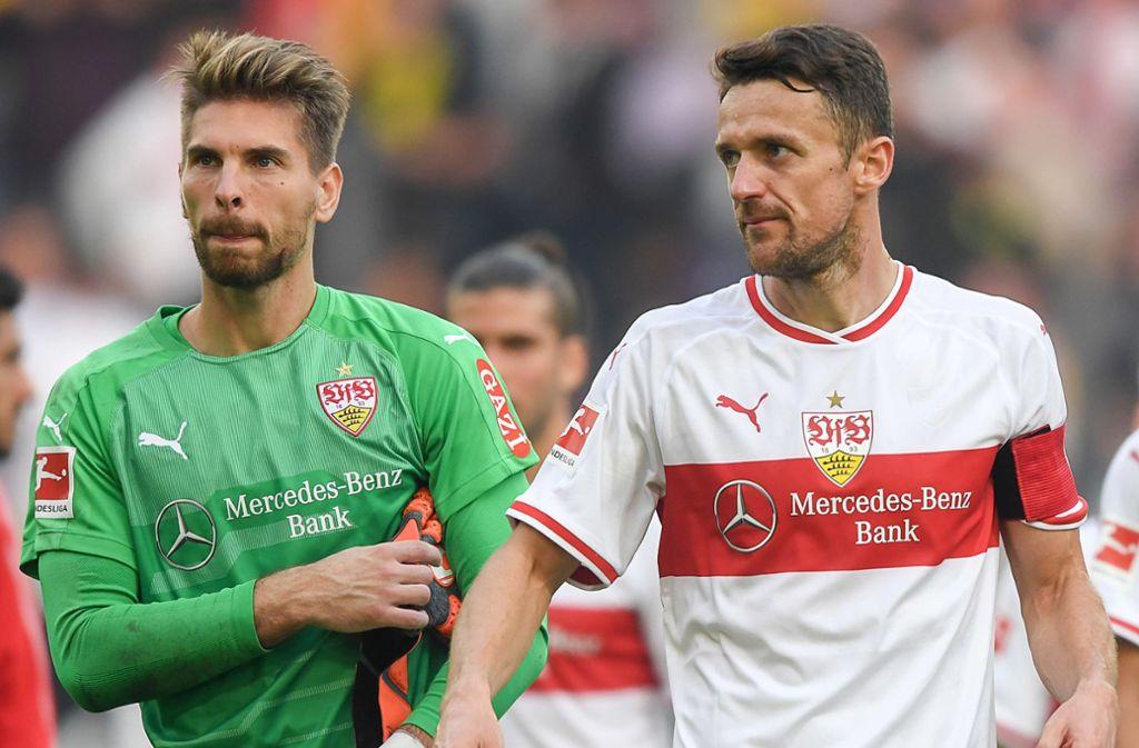 Ron-Robert Zieler und Kapitän Christian Gentner: Bleiben sie auch in der zweiten Liga beim VfB Stuttgart? Foto: dpa
