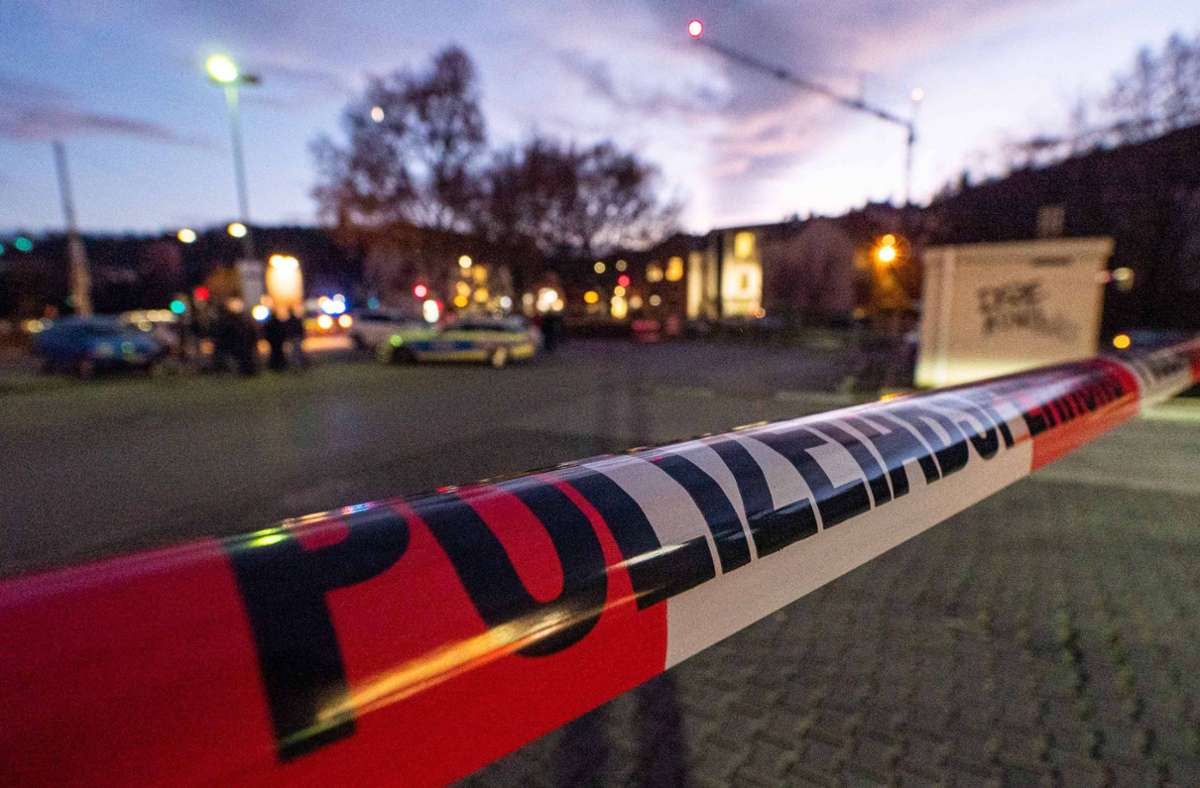 Großeinsatz der Polizei in Stuttgart-Hedelfingen Foto: 7aktuell.de/Alexander Hald