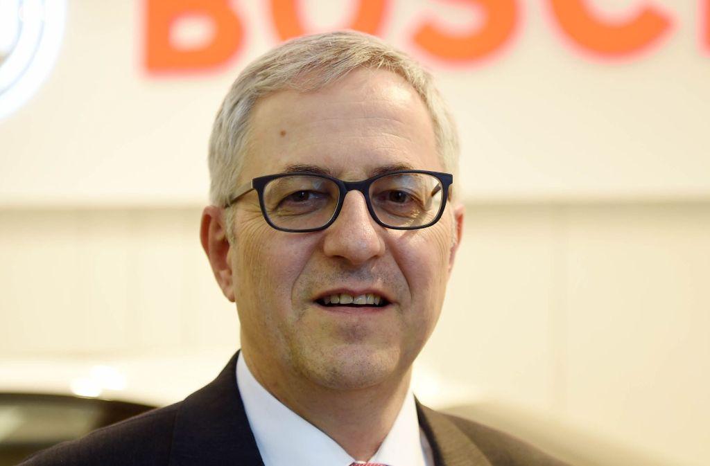 Fordert von der Politik klare Rahmenbedingungen in Sachen Plakette und Fahrverbote: Der Bosch-Geschäftsführer Rolf Bulander. Foto: dpa