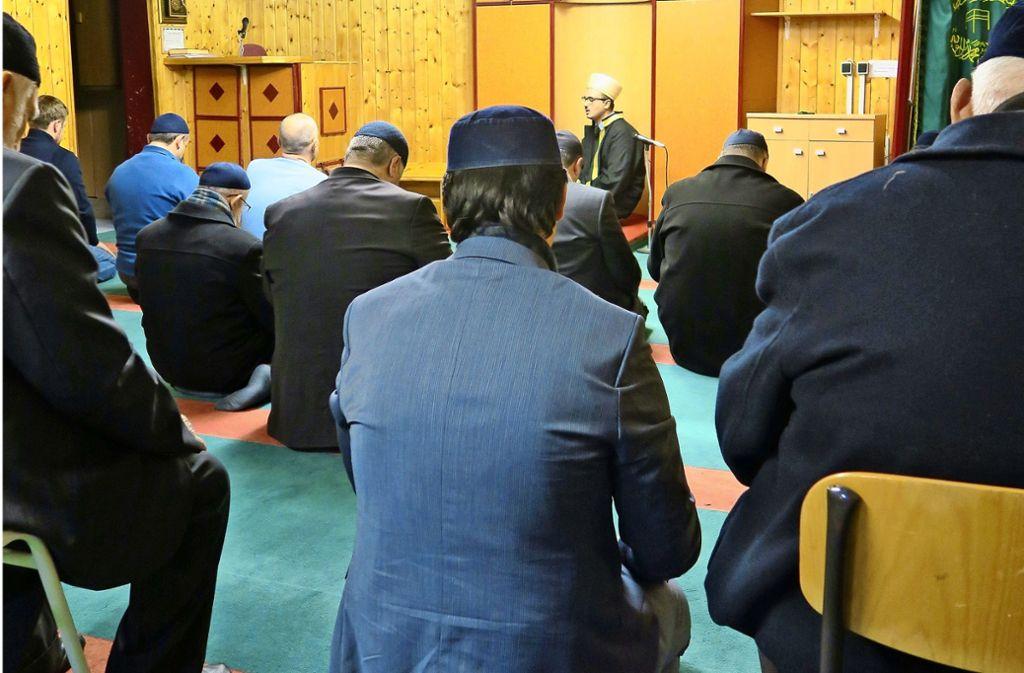 Noch immer beten die örtlichen Muslime in Echterdingen, denn der Konflikt um den Weiterbau der Moschee in Oberaichen besteht weiter. Foto: Archiv Malte Klein