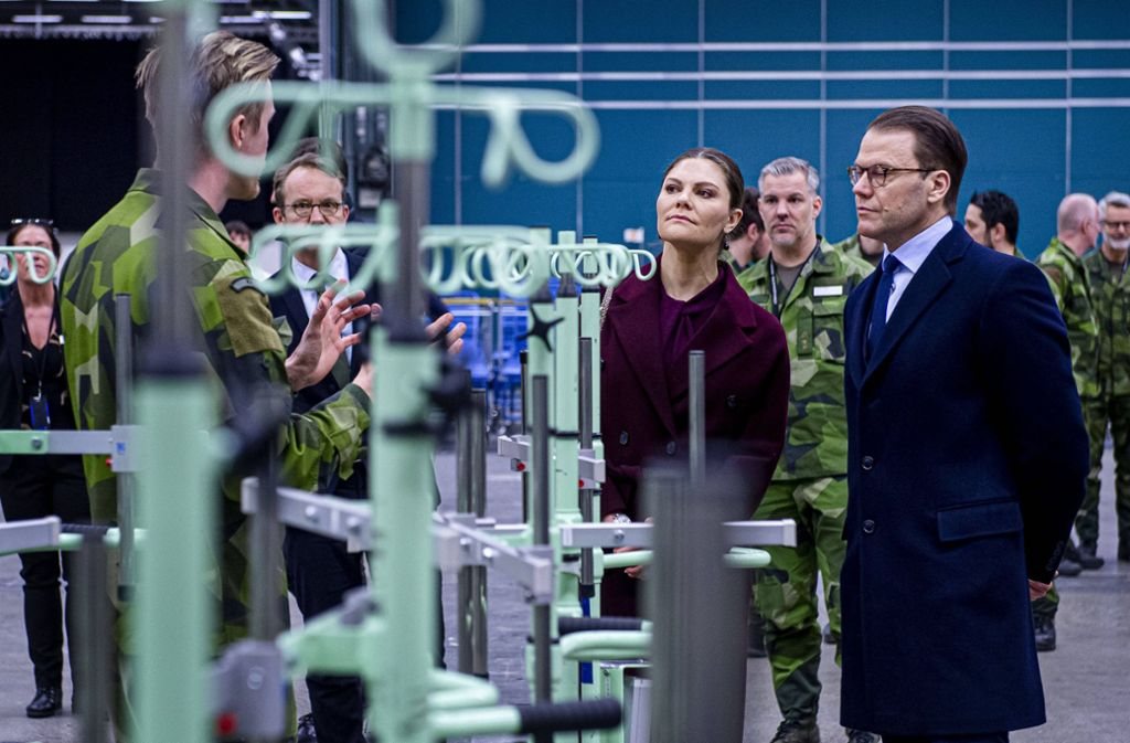 Vergangene Woche besuchten Kronprinzessin Victoria und Prinz Daniel ein Feldkrankenhaus, das in aller Eile bei Stockholm hochgezogen wird. Foto: imago images/TT/LORENTZ-ALLARD ROBIN/Aftonbladet