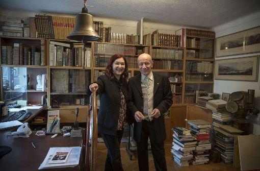 Ein Herz für das Alte: Alain und Ursula Haezeleer in ihrer Wohnung Foto: Lichtgut/Leif Piechowski