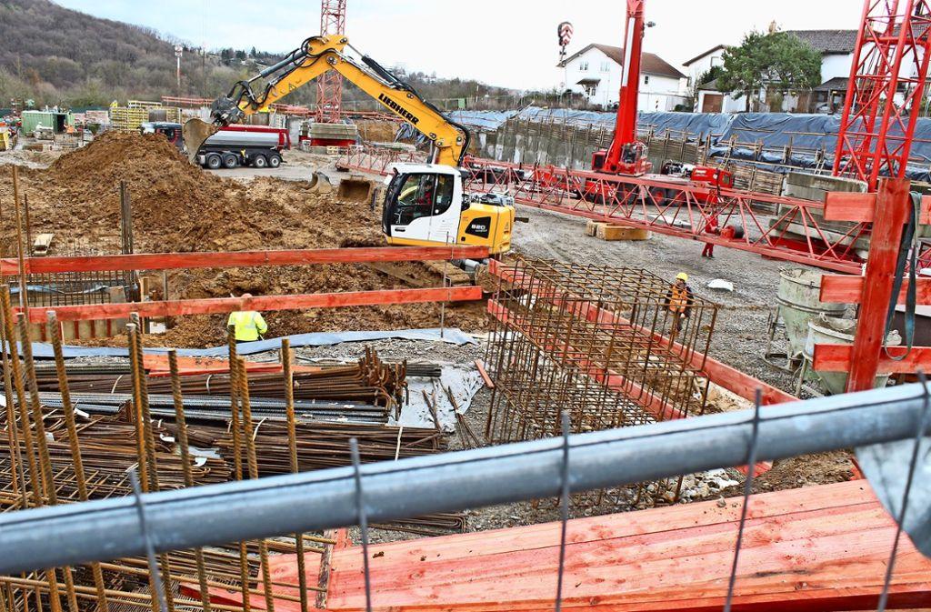 Die Arbeiten am Pallotti-Areal haben begonnen – die Baustelle wächst weiter. Foto: Recklies