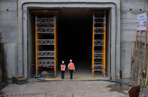 Tunnelabschnitt unter der Autobahn ist im Rohbau fertig