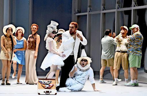 """Szene aus der umjubelten Stuttgarter Koproduktion """"Tod in Venedig"""", die Demis Volpi als Choreograf und Opernregisseur verantwortete Foto: Oper Stuttgart"""
