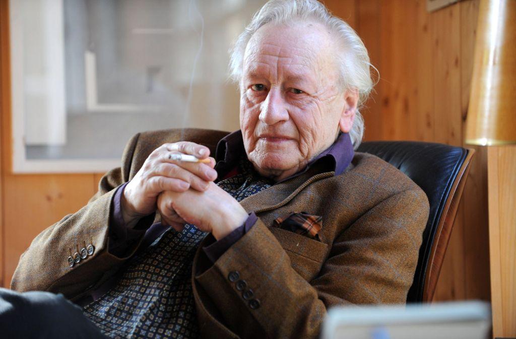 Nie ohne seine Zigarette: Oliver Storz (1929 – 2011) Foto: dpa