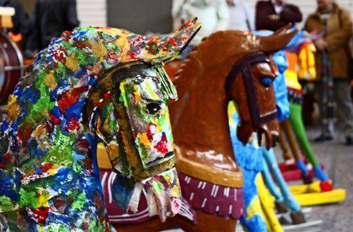 Pferdeauktion in der Turnhalle