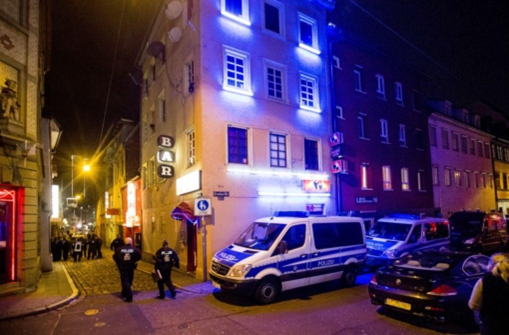 Die Polizei kann den Verfall des Leonhardviertels nicht verhindern. Foto: Achim Zweygarth