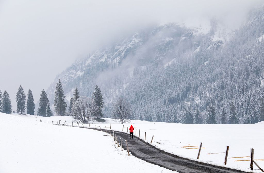 Auch in Oberstdorf, nicht weit vom Kleinwalsertal entfernt, liegt noch Schnee. Foto: dpa/Jan Eifert
