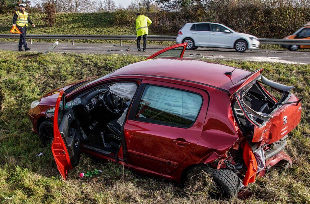 Bei dem Unfall wurden zwei Menschen leicht verletzt. Foto: SDMG/Dettenmeyer