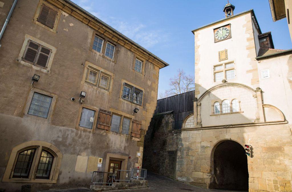 Der Verdächtige im Fall der getöteten Medizinstudentin in Freiburg ist in das Justizvollzugskrankenhaus Hohenasperg bei Ludwigsburg verlegt worden. (Archivfoto) Foto: dpa
