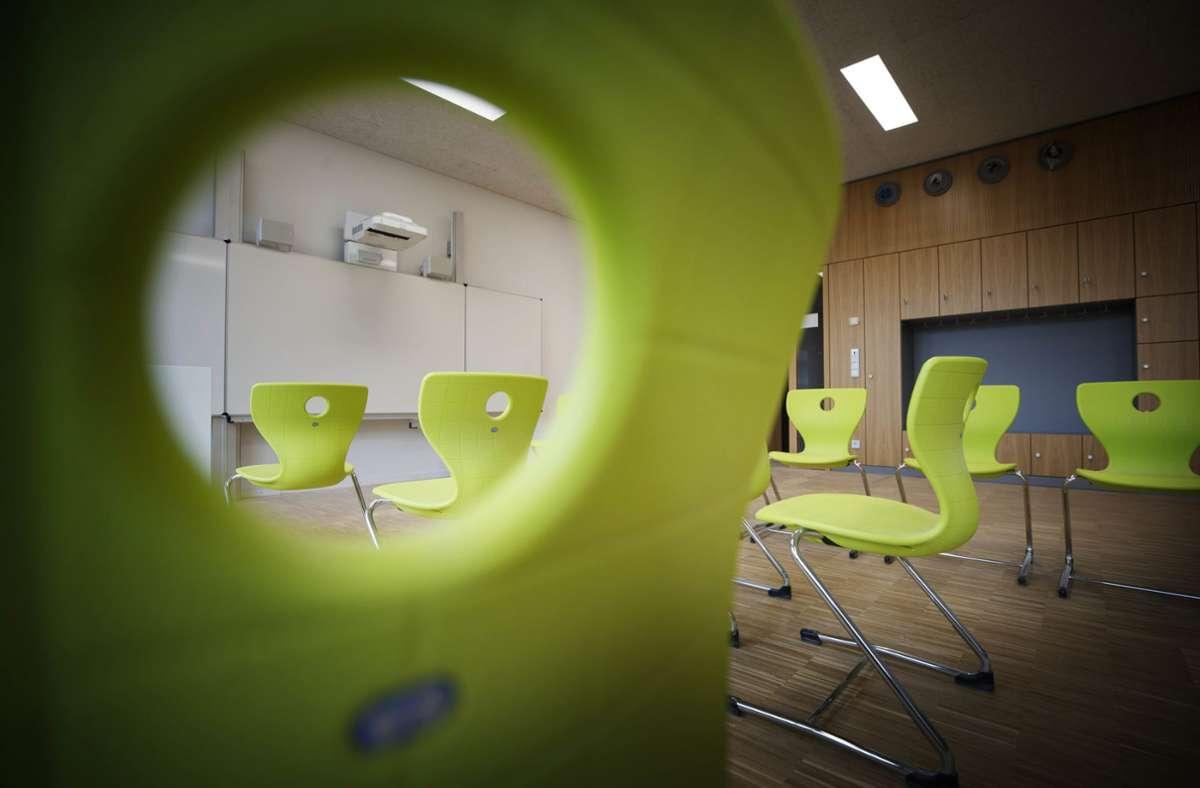 Einige Klassenzimmer des Burg-Gymnasiums in Schorndorf werden am Montag leer bleiben: Ein Neuntklässler wurde positiv auf das Coronavirus getestet. Foto: © C) Gottfried Stoppel/Gottfried Stoppel