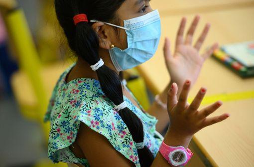 WHO empfiehlt das Tragen von Masken für Kinder