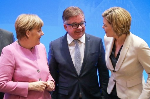 So einträchtig wie Anfang Januar bei der CDU-Klausurtagung in Mainz zeigen sich Kanzlerin Angela Merkel sowie die Wahlkämpfer Guido Wolf und Julia Klöckner nicht mehr. Foto: dpa