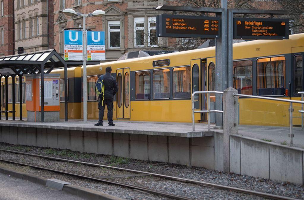 Auch in Stuttgart gibt es kaum noch Bus- und Bahnfahrgäste. (Symbolbild) Foto: dpa/Marijan Murat