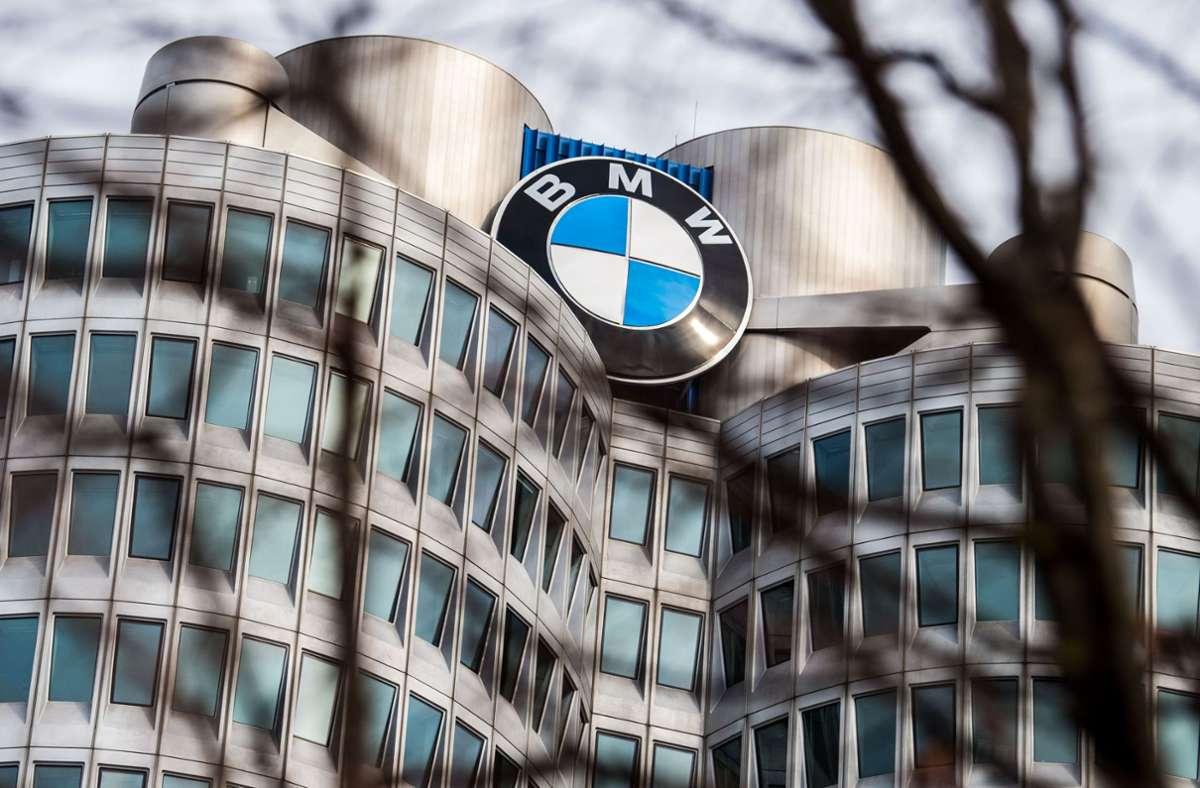 BMW tut sich in der Krise leichter – unter anderem wegen seiner E-Autos. Foto: dpa/Lino Mirgeler