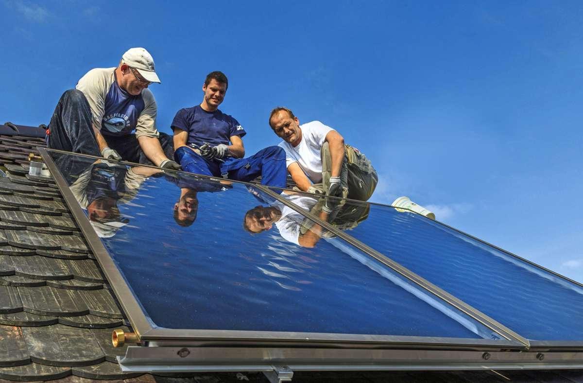 Der Bau von Solarstromanlagen boomt nach Aussagen der Branche schon jetzt – auch ohne gesetzliche Vorschrift. Foto: imago/Rainer Weisflog