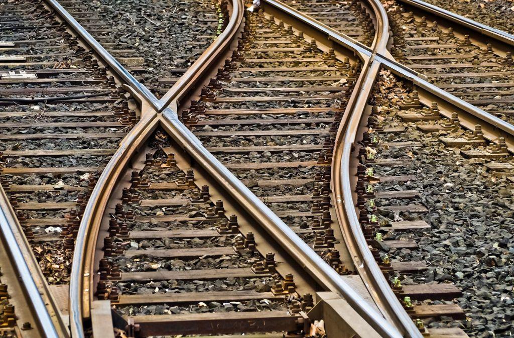 Renningen/Calw-Was fährt zuerst? Die Hesse-Bahn von Calw nach Renningen oder eine Express-S-Bahn von Feuerbach nach Weil der Stadt? Foto: pixabay