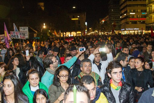 Tausende gehen auf die Straße