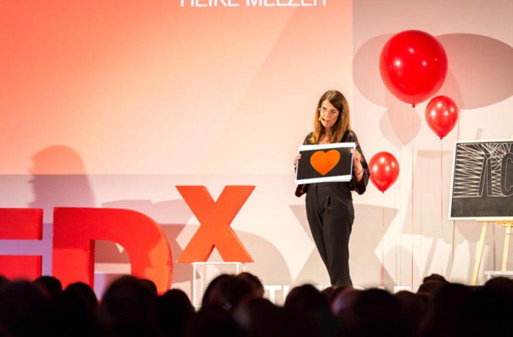 """Bei der Stuttgarter Veranstaltung 2018 redete die Ärztin Heike Melzer zum Thema """"Make Sex, not Love?"""" Foto: TEDx/Christian Kammer"""