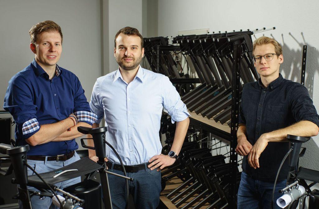 """Carsten Maschmeyer und Frank Thelen nehmen den """"ello"""" unter die Lupe. Foto: ello / eMovements GmbH"""