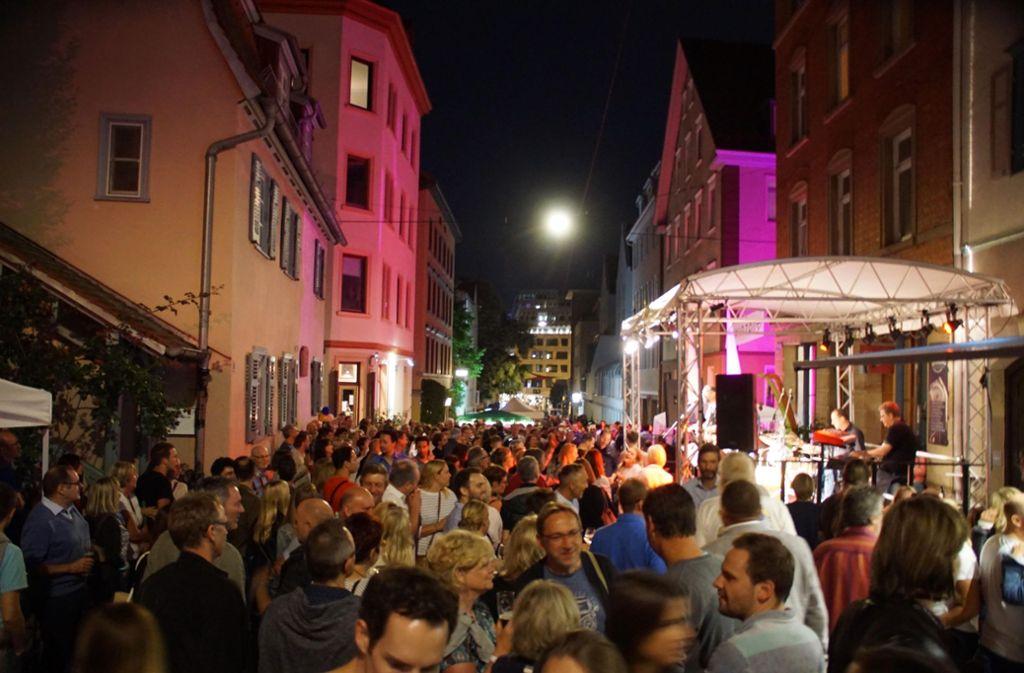Das Bohnenviertelfest gehört seit 25 Jahren zu einem der Höhepunkte in Stuttgarts Festkalender. Foto: Andreas Rosar Fotoagentur-Stuttgart