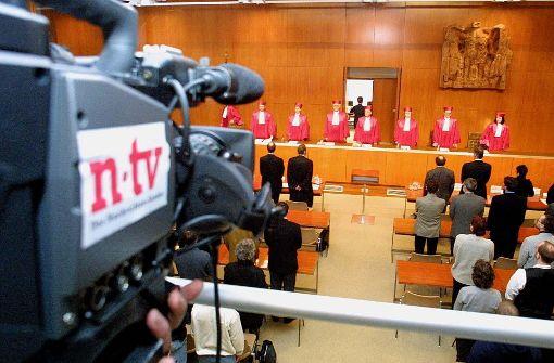 Kameras ziehen in den Gerichtssaal ein