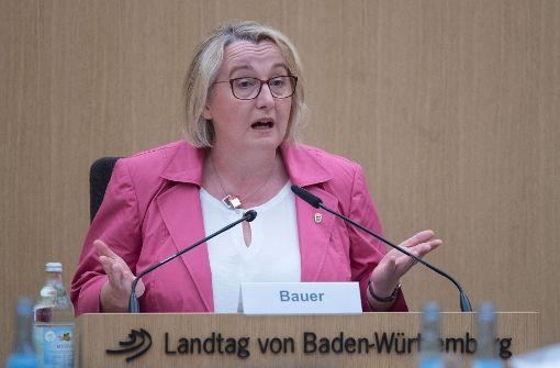 """Ministerin Bauer spricht von """"infamen"""" Vorwürfen"""