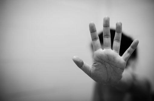 Mädchen auf besonders infame Weise sexuell bedrängt