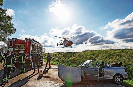 Überholmanöver enden im Rettungshelikopter